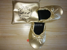 Free shipping ! 2017 hot selling folding ballerina roll up shoes with wedding logo on the bag