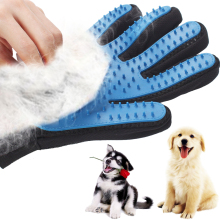 Silicone Dog Pet brush Glove Deshedding Gentle Efficient Pet Grooming Glove Dog Bath Cat cleaning Supplies Pet Glove Dog combs(China)