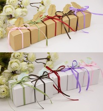 50pcs New Square Style Kraft Paper White / Khaki Wedding Favors Candy Boxes Chocolate Gift Boxes With Ribbons & Tags