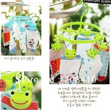 best selling Cute Plastic Clothes frog Hanger 8 Clips drying rack clothes hanger socks wholesale retail