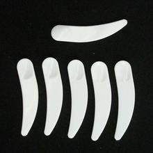 50 Pcs/lot Mini Cosmetic Spatula Scoop Disposable Mask White Plastic Spoon Makeup Maquillage Tools Wholesale(China)