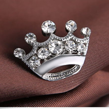 Cheap Price Wholesale 60PCS/LOT Clear Crystal Studded Mini Crown Silver Brooch(China)