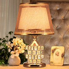 European Luxury Bedroom Bedside Lamp Wedding Table Lamp Creative Crystal Cube Decoration Lamp Warm Desk Lighting E27