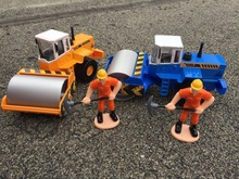 KDW Alloy car model Engineering vehicles series road roller Digging workers Boxed Children like the gift(China)