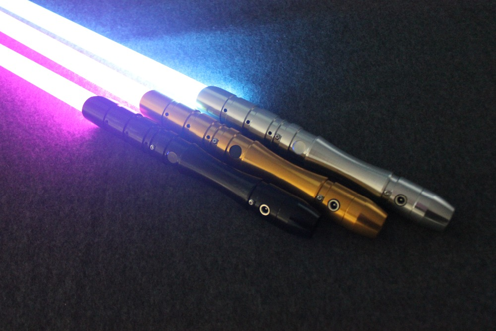 2018 New 1 Pcs Cosplay Lightsaber With Light Sound Led Red Green Blue Saber Laser Metal Sword Toys Birthday Star Kids Gifts Game (9)