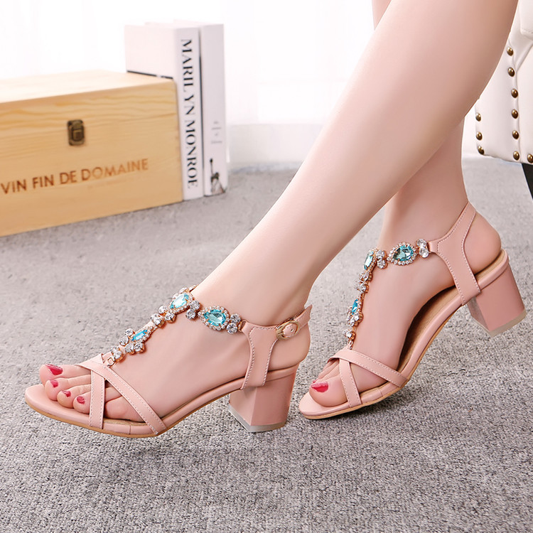 2017 fashion summer women sandals Small size 31 sandals female rhinestone T type strap big size 42 43 coarse with the students<br><br>Aliexpress