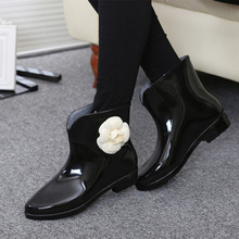 2018 New Women 고무 비가왔으믄 져 & # Boots) 가 암 꽃 Bowtie Slip 에 Ankle Boots Fashion Shoes Lady 방수 캐주얼) 저 (Low) 힐(China)