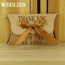 Wedding Gift Boxes 50pcs/lot Kraft Pillow Shape Favor Gift Box Party Candy Box with Golden Ribbons Festive Party Supplies