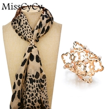 MissCyCy Simulated Pearl Scarf Clip Vintage Brooch Women Fashion Hollow Metal Flower Brooches(China)