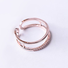 Wholesale Shining Rose Gold Color Crystal Rings For Women Engagement Rings Wedding Jewelry Hollow Single Row Zircon Open Rings