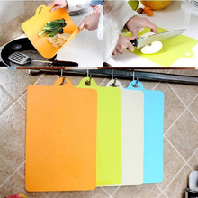 Kitchen Cooking Tools Flexible PP Plastic Non-slip Hang hole Cutting Board Food Slice Cut Chopping Block Table Mats C(China)