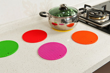 1pcs Colorful Round Non-Slip Heat Resistant Mat Coaster Cushion Placemat Pot Holder Table Silicone Mat Kitchen Accessories(China)