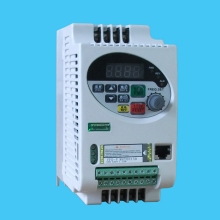 VFD-V Inverter  Real-Vector  Frequency Invertor NEW  frequency converter 220v 0.4 kw  3 PHASES 220 OR 380V Motor
