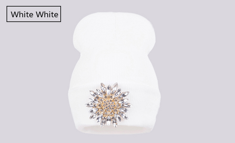 Ralferty 2018 Winter Hats For Women Knitted Luxury Flower Crystal Beanies Hat Female Skullies Caps Black Streetwear Gorras Gorro 11