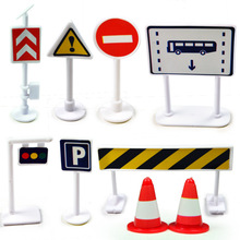 EFHH 9Pcs/set Child Parking Model Scene Toy Traffic Light Sign Road Roadway Traffic Sign Plastic Drop Shipping Free Shipping(China)