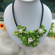 Green Mop Mother of pearl  white Pearl shell flower necklace for Women