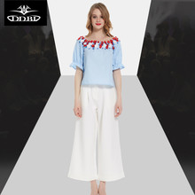 appliques boat neck sky blue cute top + wide legged calf length pants 2017 runway two pieces clothing outfit  170426