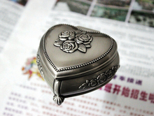 Fashion European Style Metal Jewelry Case Zinc-aloy Trinket box Christmas Gift Packing Necklace Package jewelry display Z020(China)