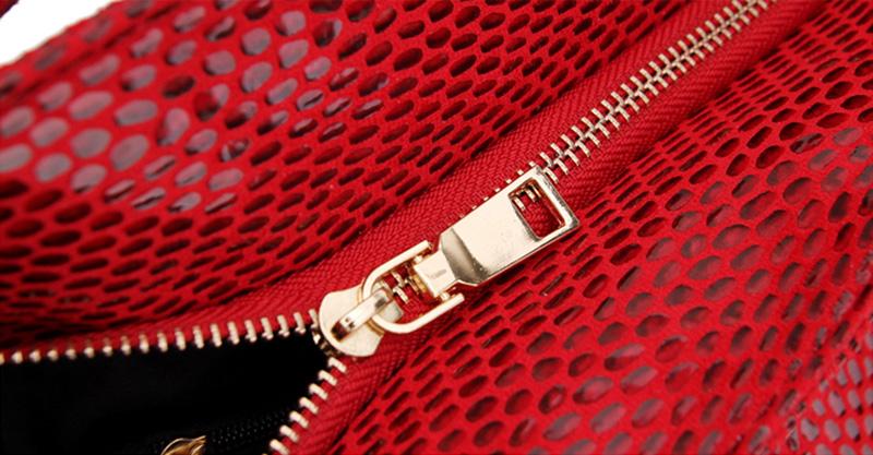 Women Snake Leather Shoulder Bag Female Serpentine Pattern Hobos Bags Tassel Big Handbag Luxury Designer Ladies Tote SS0309 (2)