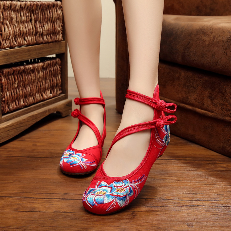 Fashion Women Shoes Old Beijing Mary Jane Flats With Casual Shoes Chinese Style Embroidered Cloth shoes woman Plus Size 41<br><br>Aliexpress