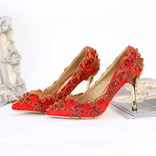 Leaf Shape Crystal Flower Pointed Toe Gold Metal Heel Red lace wedding shoes