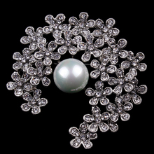 Factory Direct Sale Crystal Diamante Flower Brooch Pins with a Simulated Pearl for Women or Wedding