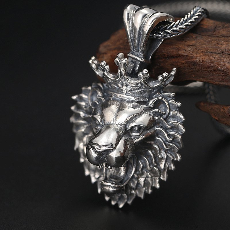Wholesale S925 Sterling Silver Jewelry Vintage Old Domineering Crown Lion Pendant Thai Silver Punk Wind Men And Women Pendant