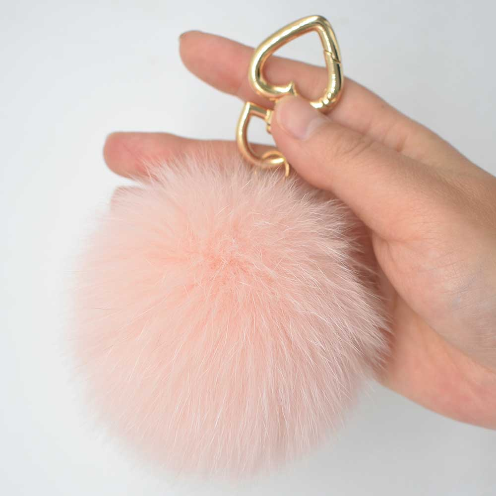 fox fur pompoms ali 1 (1)
