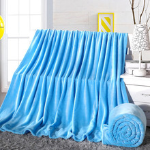 Anti-pilling portable airline blanket travel flannel fleece double sided blanket 100% polyester spring/autumn season blue color(China)
