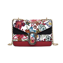 2017 Luxury Brand Women Handbgas Fashion Chain Cross Body Bags Printing Package Roses Printing Women's Shoulder Bags Totes Purse(China)