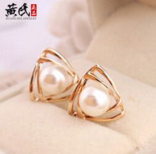 Tomtosh 2016 New hot selling Elegant charming tone triangle white pearl ear stud earrings gift well, party girl lady women(China)