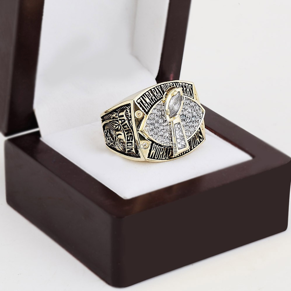 Replica 2002 SUPER BOWL XXXVII TAMPA BAY BUCCANEERS CHAMPIONSHIP RINGS WITH WOODEN BOX AS FAN GIFT(China (Mainland))