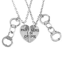 2Pcs/set Partners in Crime Handcuffs Pendant Silver BFF Friendship Necklace Elastic Can be Opened Handcuff Necklace