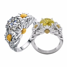 Fashion Design Sunflower Shape Ring for Women Couples Gift Princess Romantic Engagement White Yellow Crystal Rhinestone Ring(China)