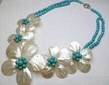 Fashion Jewelry Five White Mother Pearl Shell Flower Turquoises Necklace(China)