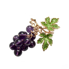 New 2017 Winter Style Crystal Grape Brooches for Women Cute Luxury Brooch Pin Fashion Jewelry Elegant Wedding Brooch Bouquet Hot