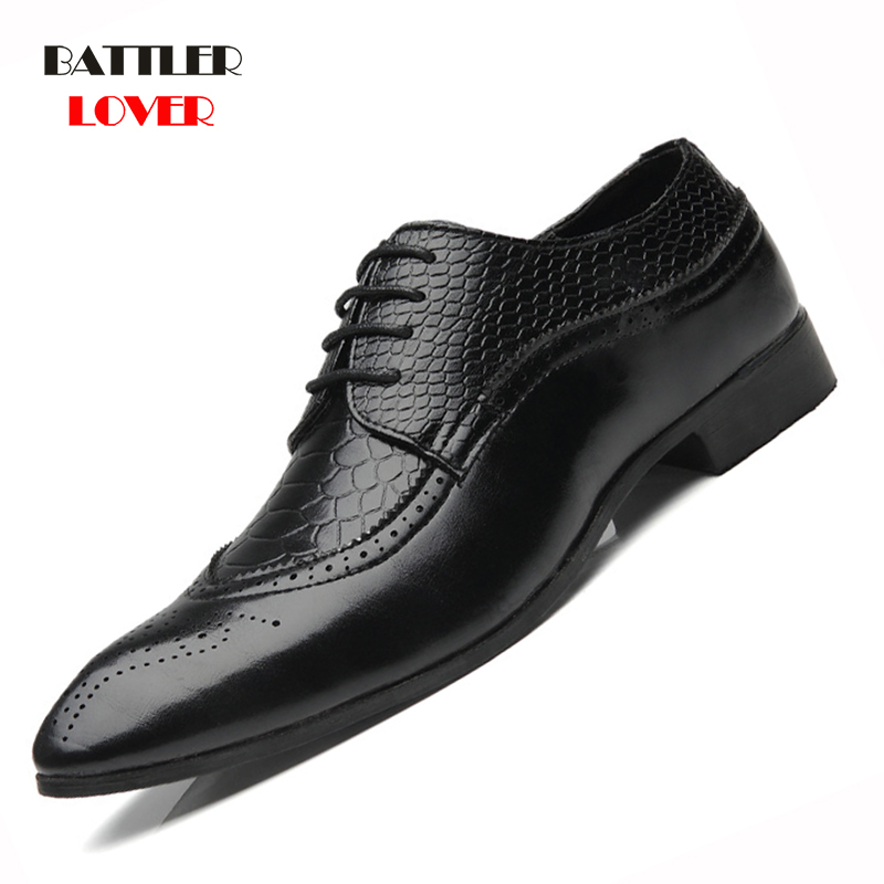 2019 New Arrival British Style Men Classic Business Formal Shoes Pointed Toe Retro Bullock Design Hombre Mens Oxford Dress Shoes