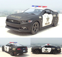 Brand New 1:38 Ford 2006 Mustang GT Police Alloy Diecast Model Car Pull Back Vehicle Toy Collection As Gift For Boy Children(China)
