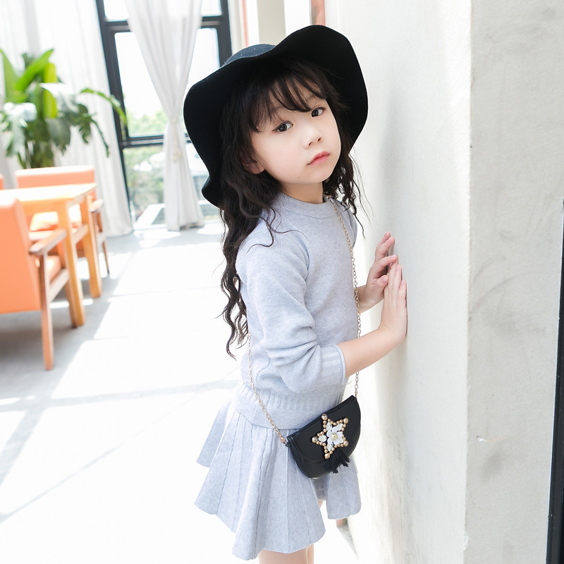 Girl clothing fashion 2017 solid girl black sweater knitting clothes gray suit + pleated skirt 2 to 7 years old children<br><br>Aliexpress