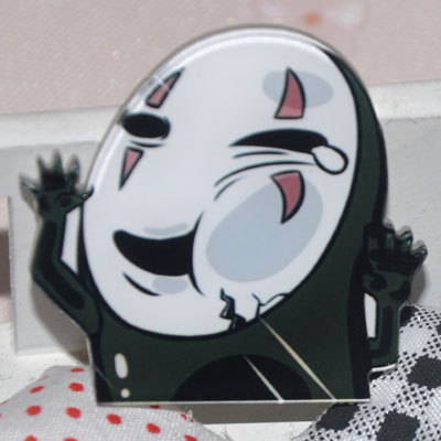 Kawaii-Harajuku-NO-FACE-MAN-Badge-Acrylic-Brooch-Japanese-Anime-Clothes-Badge-Decorative-Rozet-Collar-Scarf.jpg_640x640 (3)