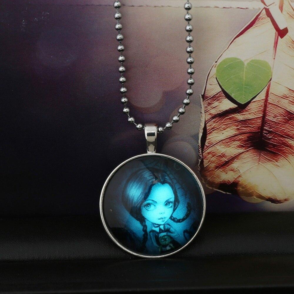 Медальон подарок девушке 14