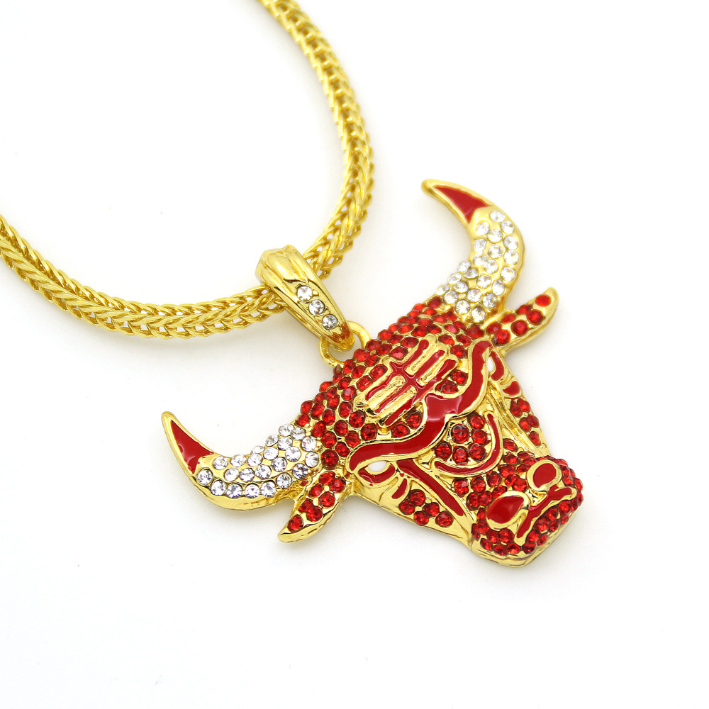 Gold Color Full Rhinestone Alloy Bull Pendent 60cm Chain Necklace Bling Bling Fashion Jewelry Gift for Men