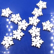100PCs 17.5mm White Christmas Snowflake Wooden Buttons Fit Sewing and Scrapbook For  DIY Wedding Decoration