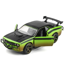1:32 Alloy car model Children's car toys Fast & Furious Dodge Challenger The door is openable Give the gift to the child