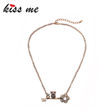 KISS ME Simulated Pearl Flower Rhinestone Owl Pendant Necklace Antique Gold Color Vintage Necklace Animal Jewelry(China)