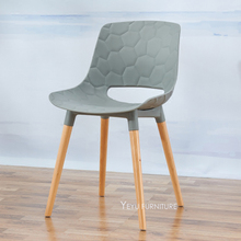 Minimalist Modern Design plastic PP and Solid Wooden Dining Chair, Fashion loft design plastic and wood cafe chair meeting chair