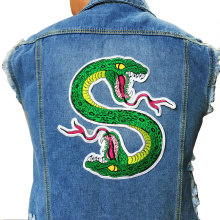 Cute Green Snake Patch Sewing On Embroidered Patch for Jacket Clothes Vest DIY Apparel Accessories Sewing Applique(China)