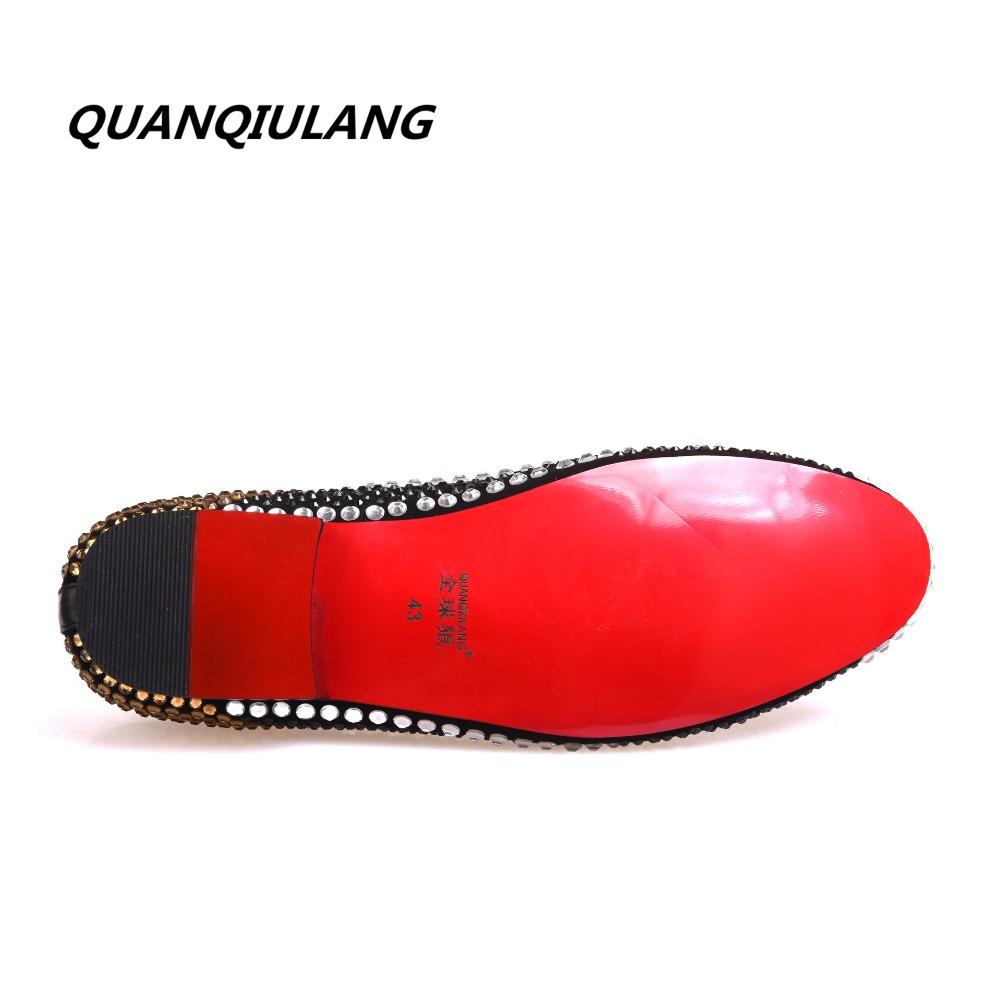 Pilkupüüdvate neetidega meeste kingad lehmanahast