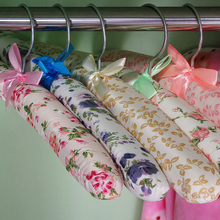 20PCS/Pack High Quality Sponge Silk Satin Cloth Hangers Colorful Wooden Clothes Hanger Holder Storage Rack