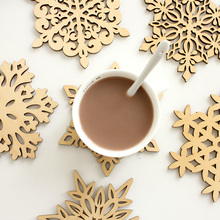 6 pcs/set Wooden Snowflakes Cup Mats Mug Coaster Creative Christmas Home Kitchen Table Decoration Coffee Drink Placemat